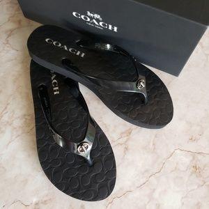 Coach black flipflos sandals 5